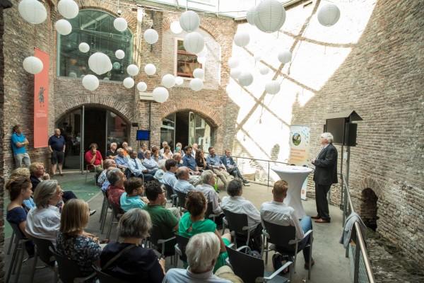 Historische lezing op het Terreplein van bastion Sonnenborgh