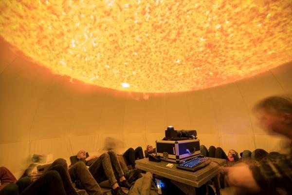 Reis naar de zon in het planetarium van Sonnenborgh