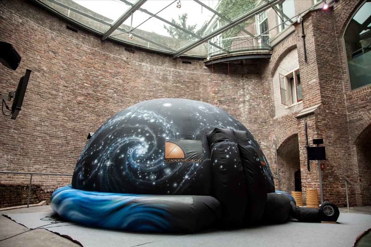 Het planetarium van Sonnenborgh, aangeschaft met donaties