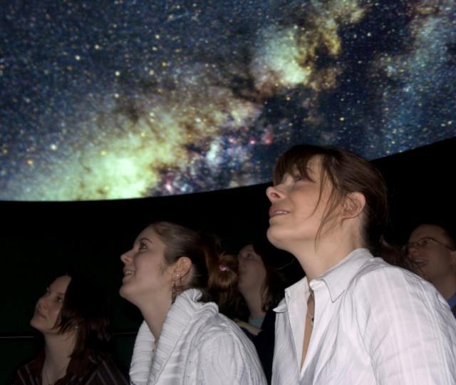 in het planetarium van Sonnenborgh